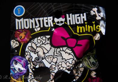 Geeky Diaries Halloween: Monster High Blind Bag Series 1